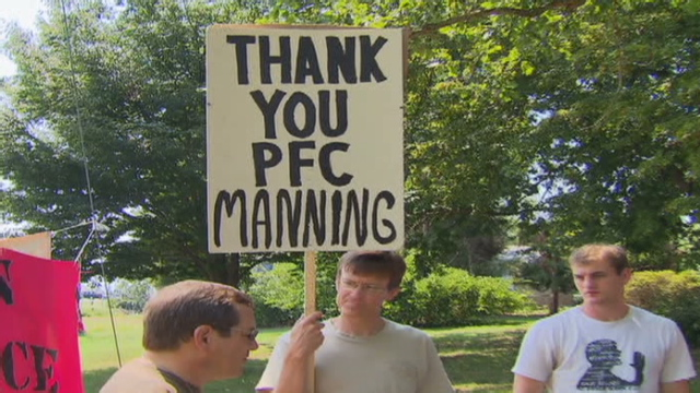 Activists rallied in Manning&#039;s support Sunday